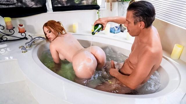 Big Ass Milf Morning Romantic Sex Romance In Bath